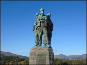 A statue of heroes